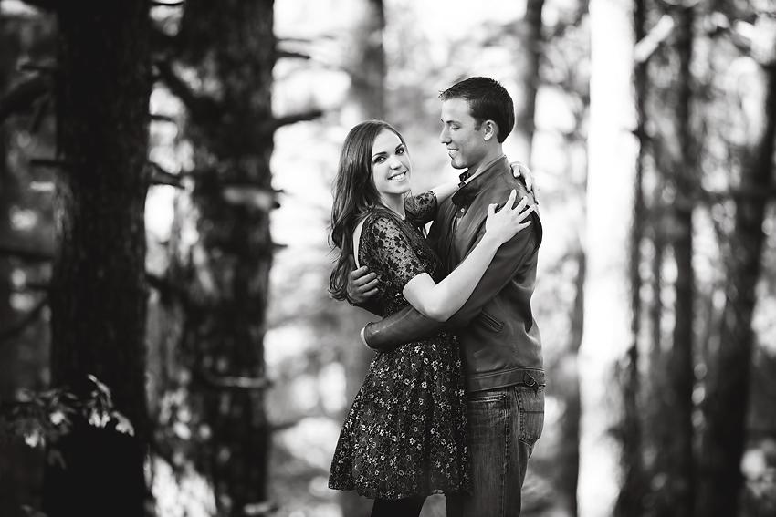 Mountain-Engagement-Photos (9)