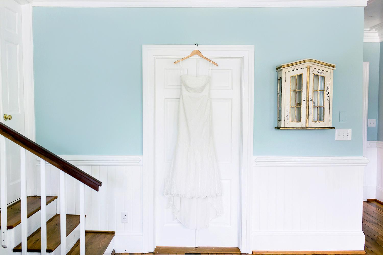 http://www.aliciaqphotography.com/blog/2015/10/jenn-bj-the-matthews-house-wedding-cary-nc-wedding-photographer-jacksonville-nc-wedding-photographer