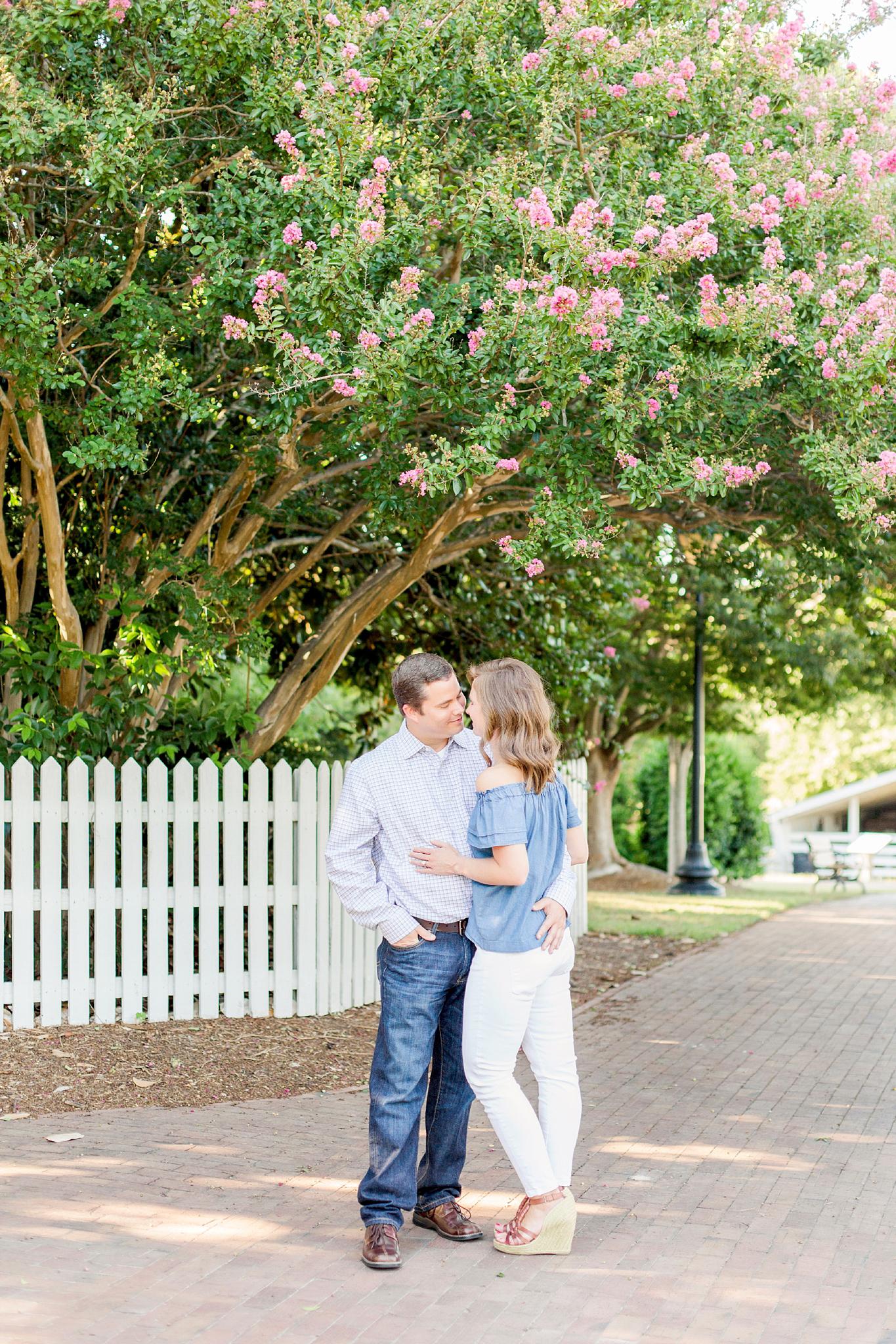 historic-oak-view-engagement-photos