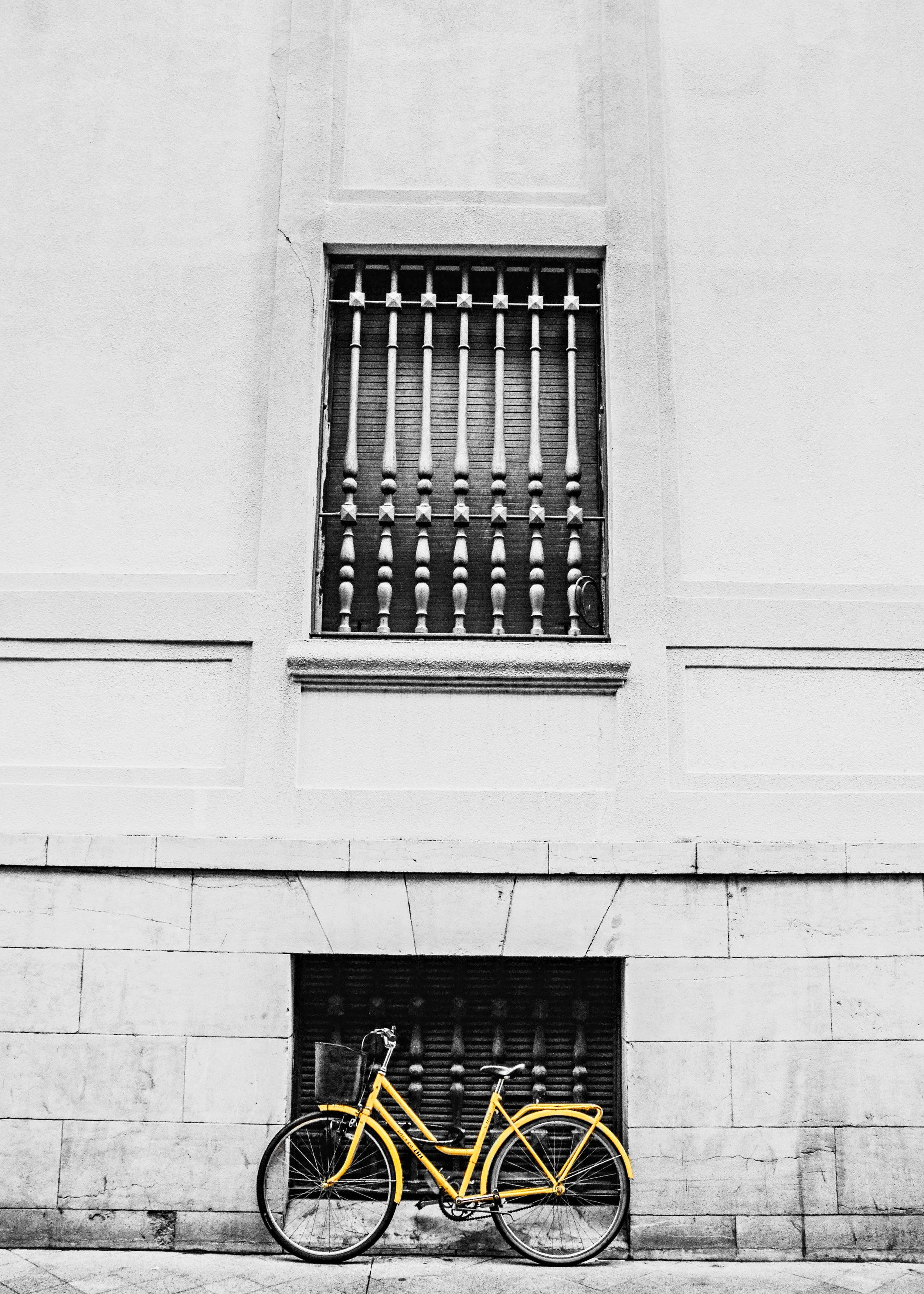 yellowbw.jpg