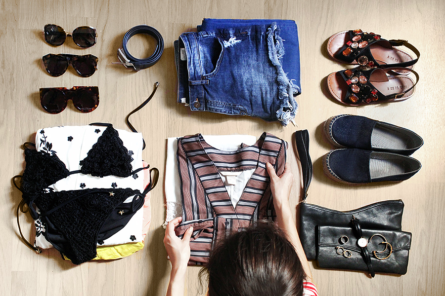 02-how-to-pack-outfits-casual-the-art-of-packing1.jpg