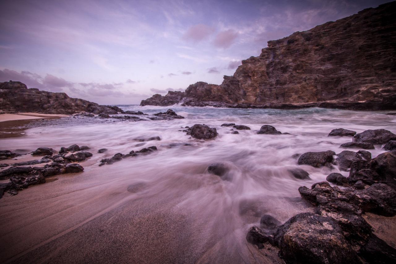 luzod-design-co-nate-hawaii-ocean-rocks.jpg