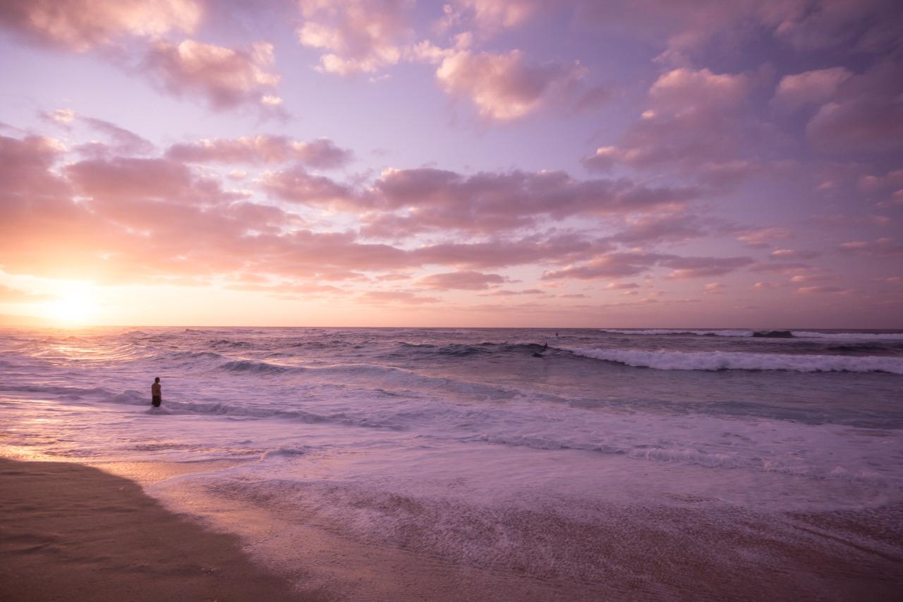 luzod-design-co-nate-hawaii-sunset-pipeline.jpg