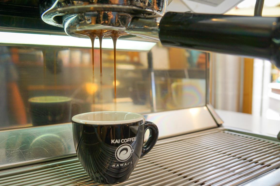 luzod-design-co-mae-kai-coffee-hawaii-bottomless-espresso.jpg