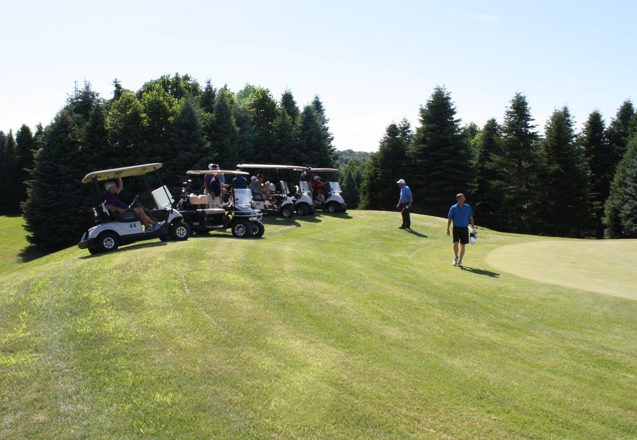 LYNX GC Golfers 18th Hole