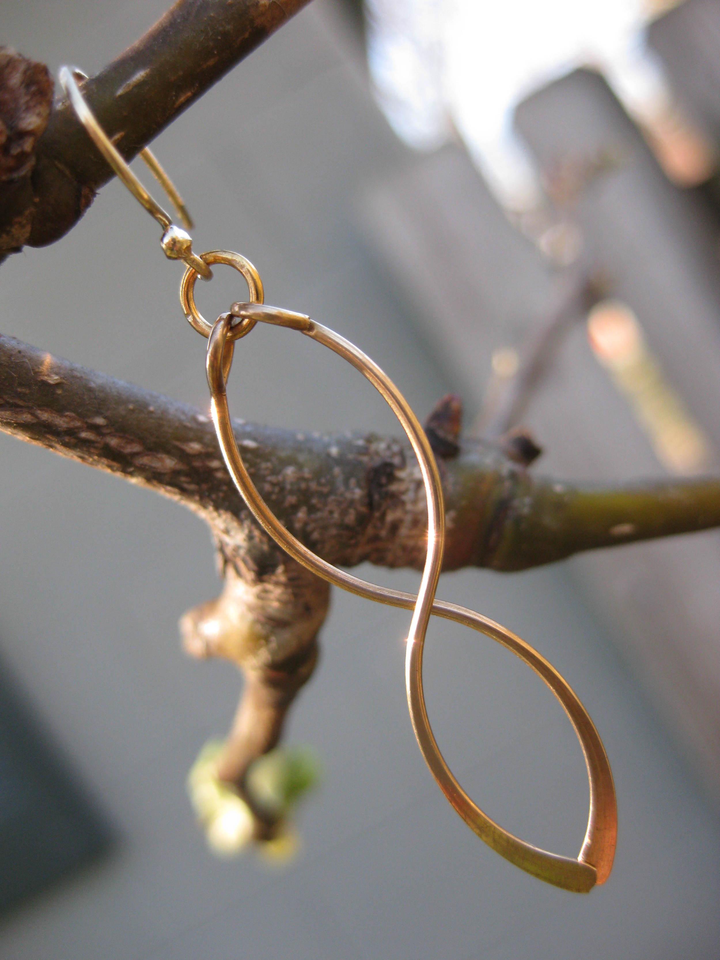 infinity-fragile-x-earrings-gold-in-tree
