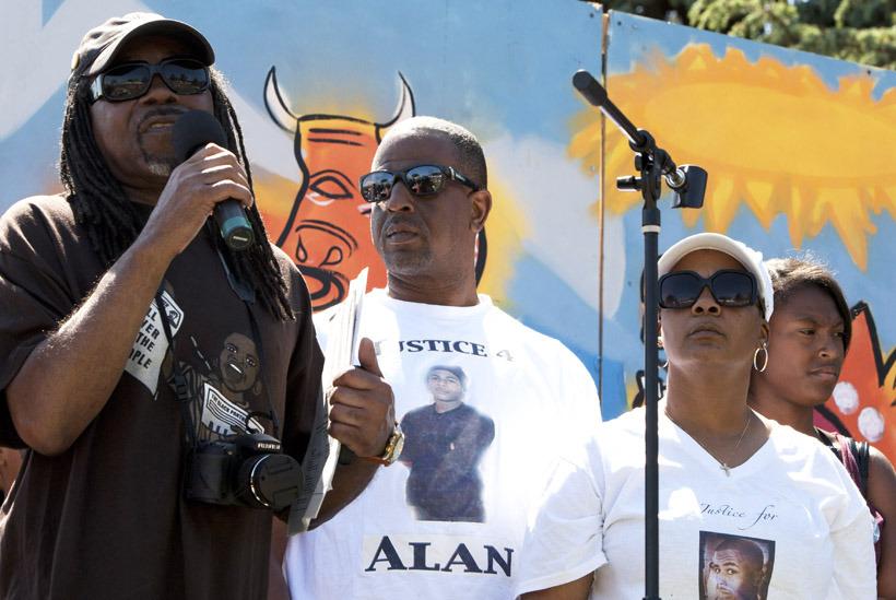 Richard-Brown-Adam-Jeralynn-Blueford-speak-for-Alan-at-MX-Jazz-Fest-San-Antonion-Park-Oakland-051912-by-Malaika.jpg