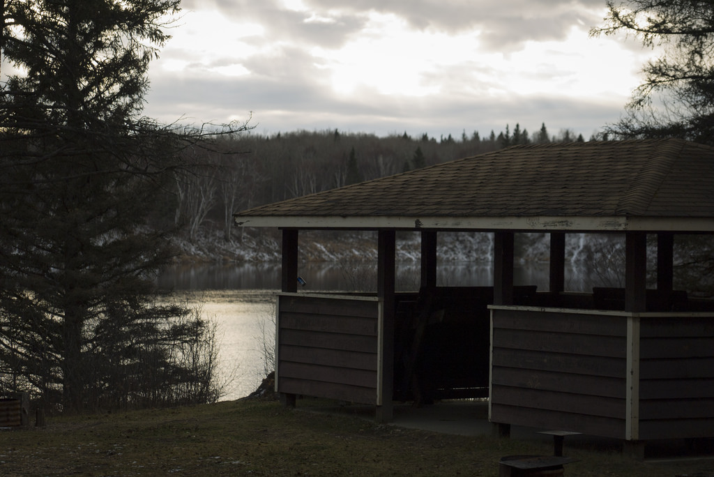 The picnic shelter at Batka Lake, looking particularly murder-y today.