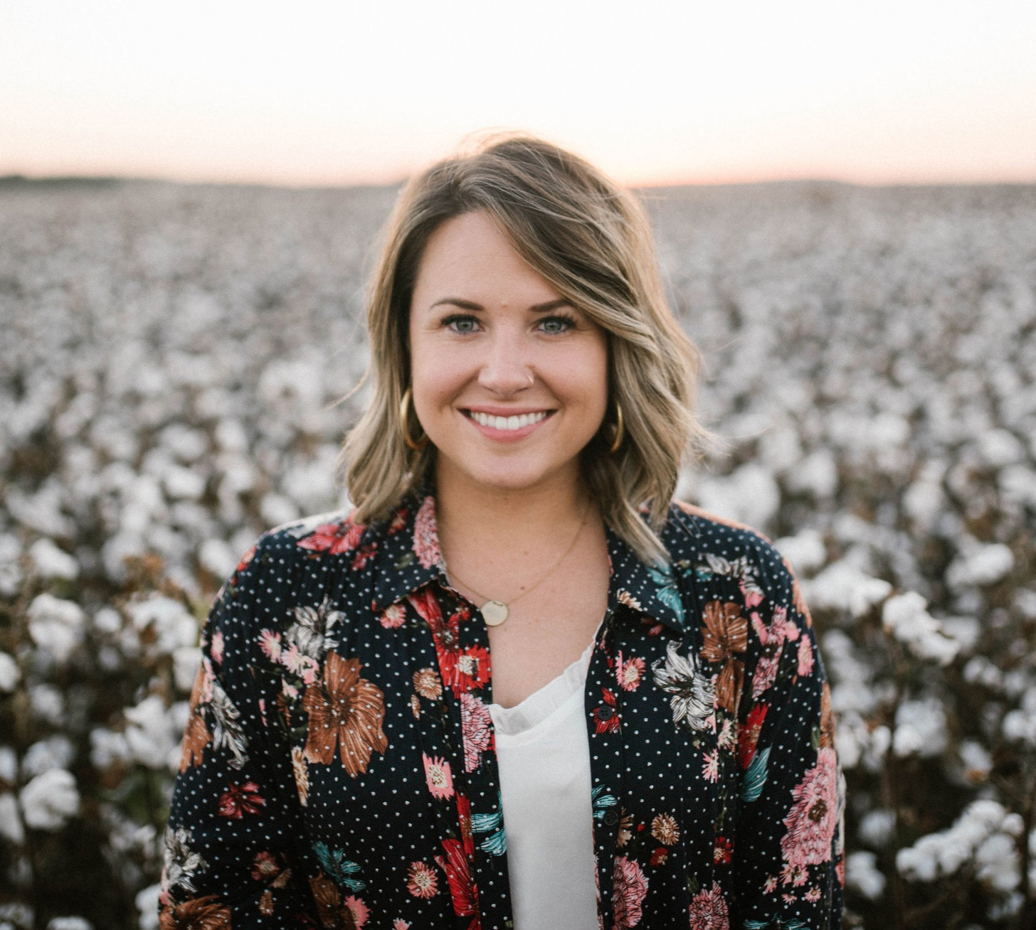 Hello, my name is Maggie. - I am a lover of Christ, Oklahoma farmer's wife + mama. freelance photographer. lifestyle blogger. livin' in a metal home on our farm. I love lifes & I love sharing mine with others! Feel free to leave a comment or follow me on social media!