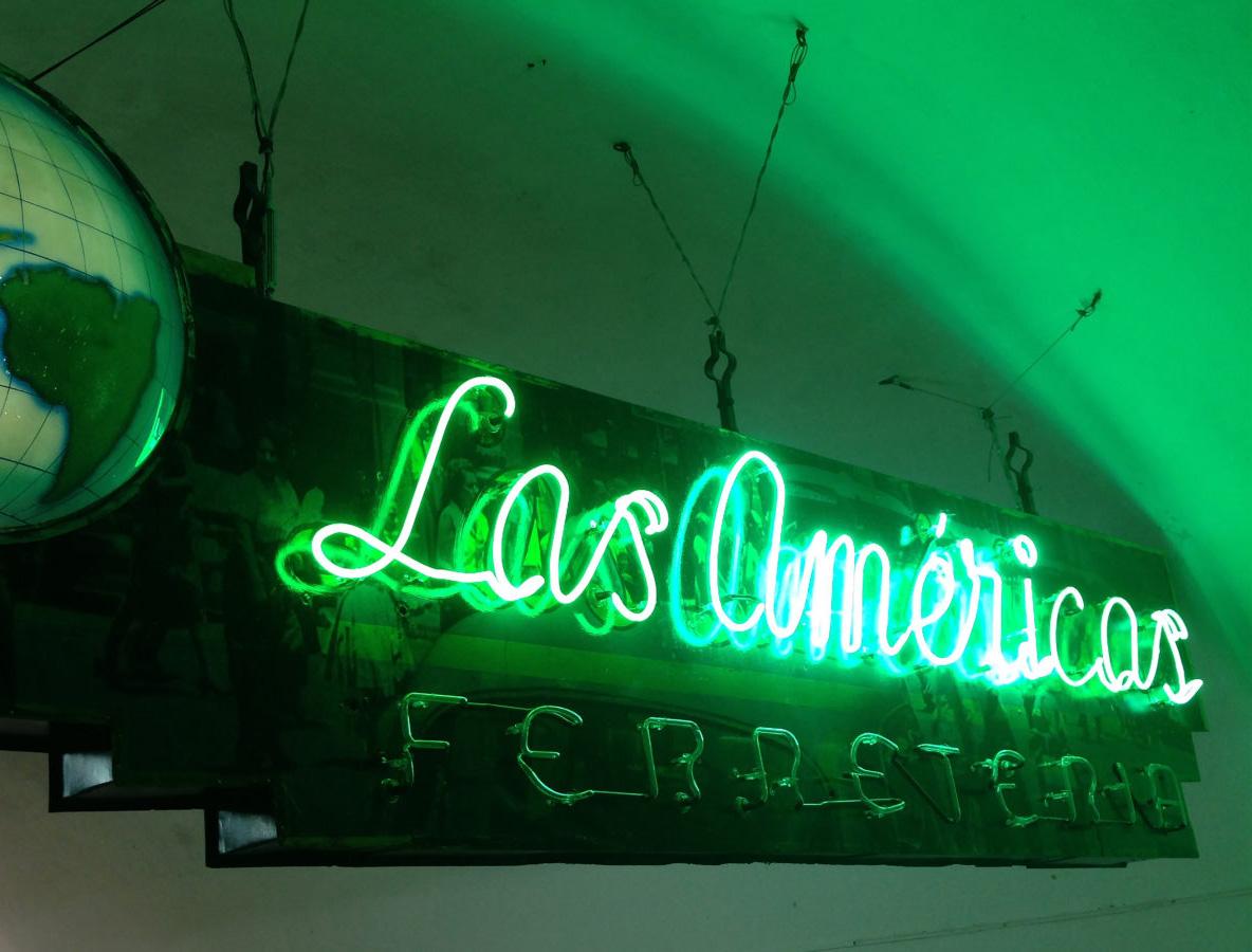 Ebco-Cuba-Neon-las-america.jpg