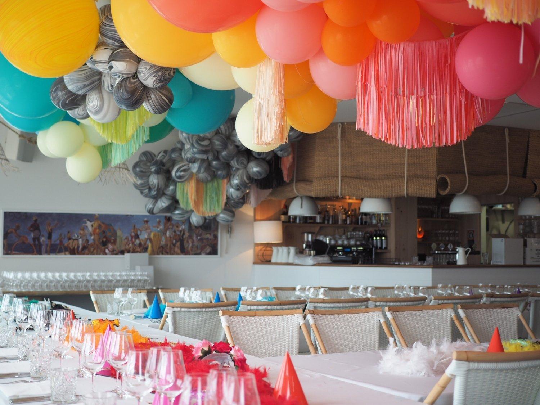 Heidi Moore of  The Bespokery  creates festive balloon installations in Australia.