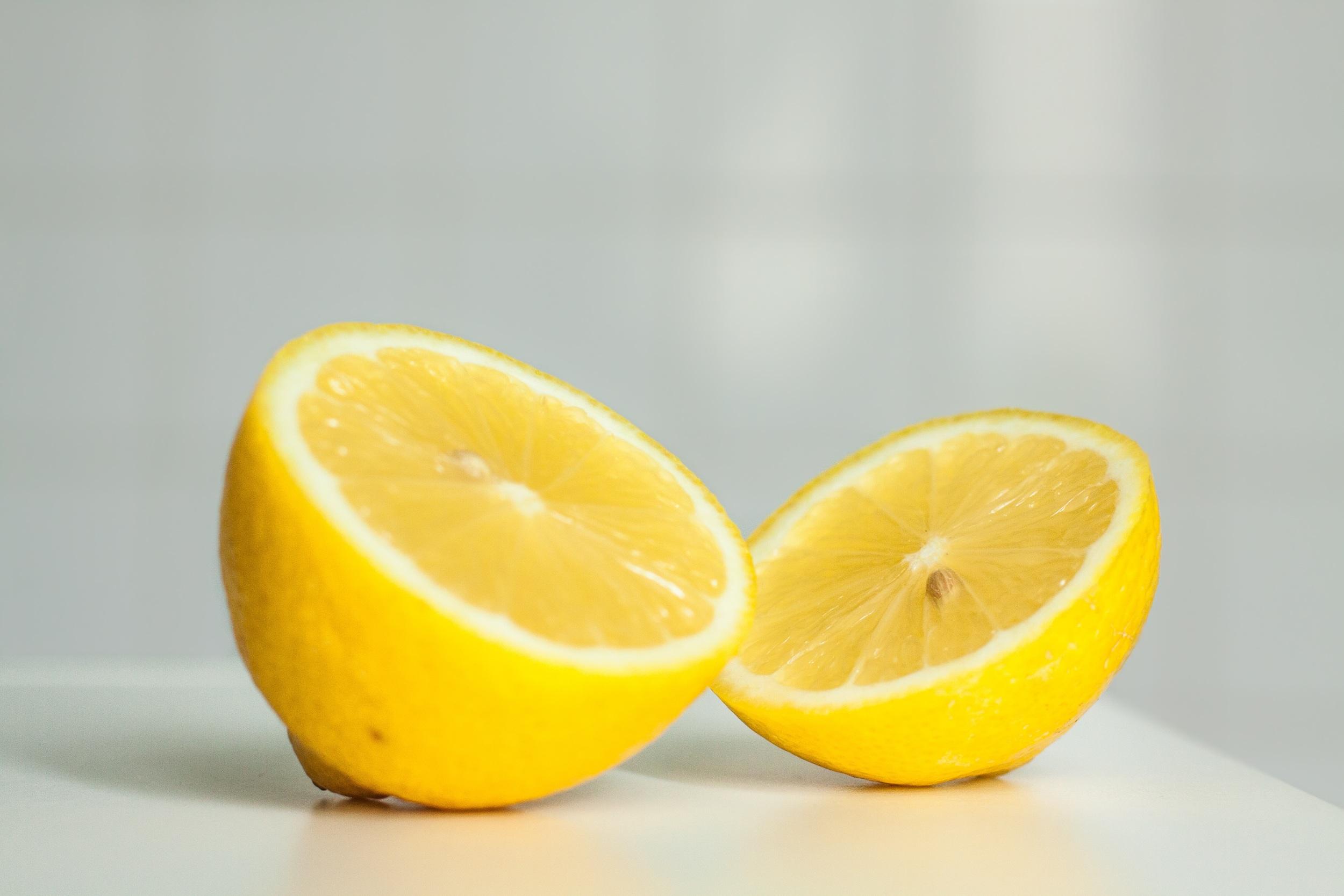 Lemon juice and apple cider vinegar to detox