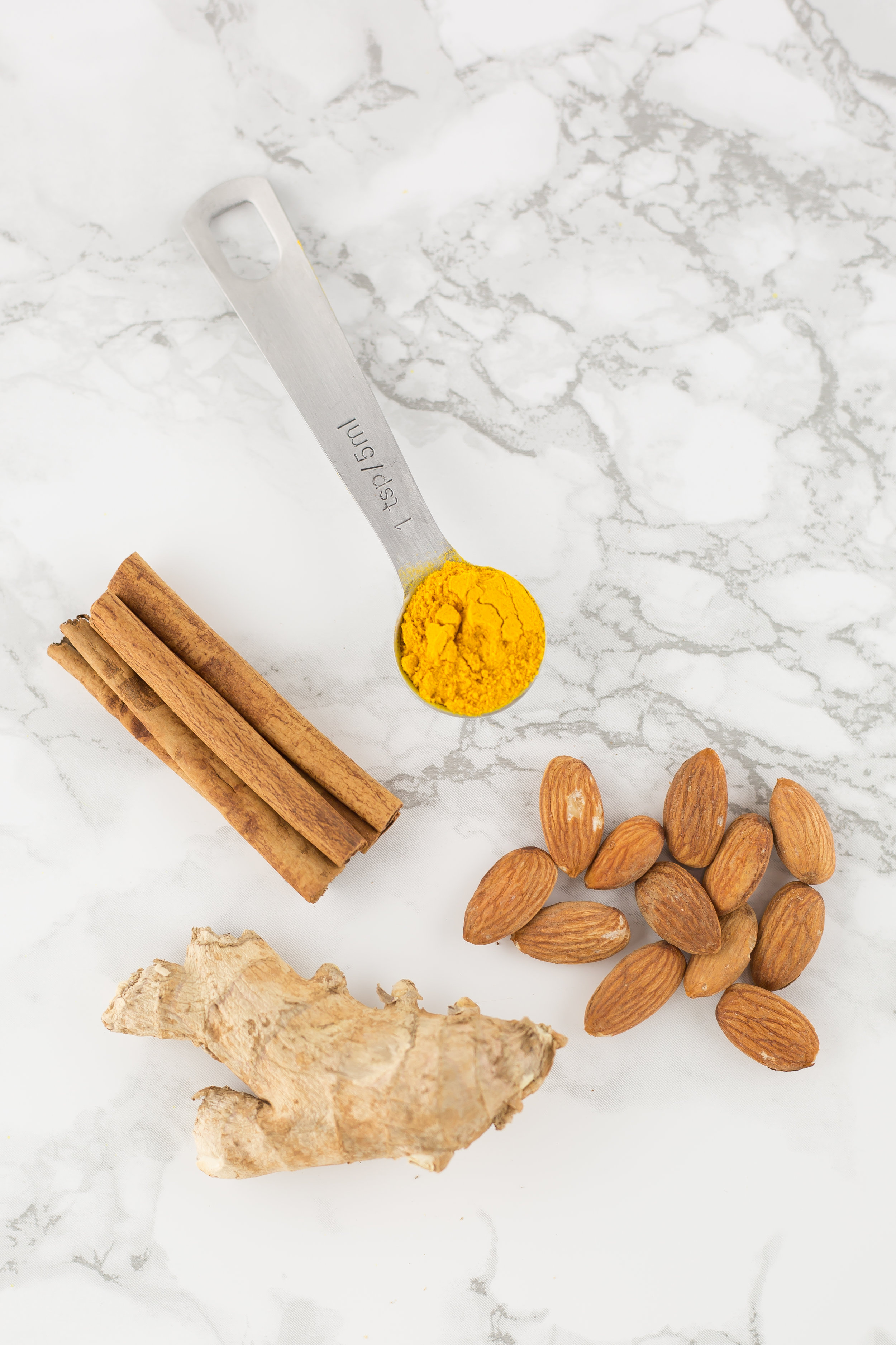 Healthy Recipes, healthy drinks, golden milk, turmeric, benefits of turmeric, turmeric benefits, real food, paleo, whole 30