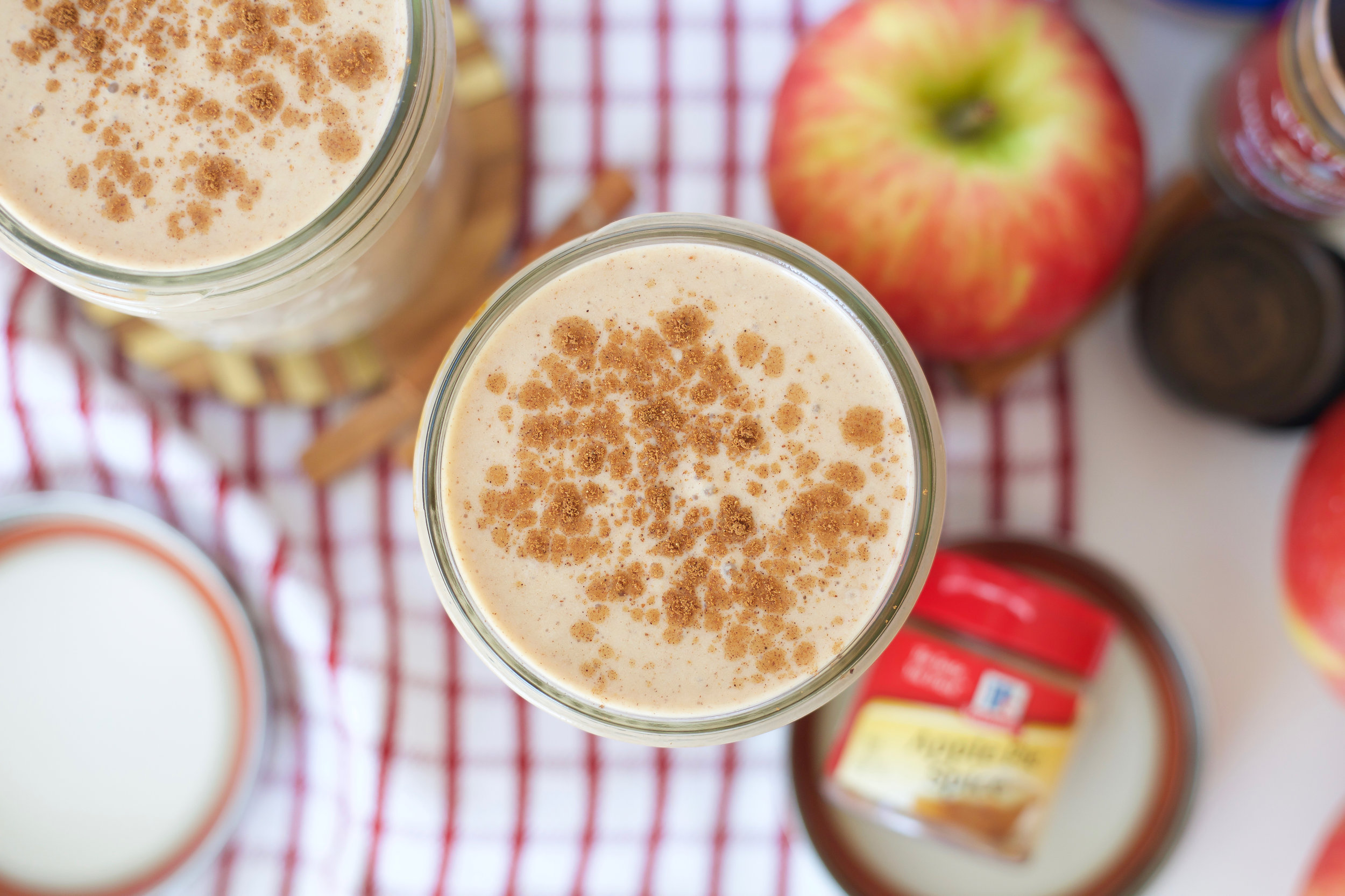 Apple pie smoothie, Paleo, Gluten Free, Grain Free, Dairy Free, Post Workout, Protein Smoothie, Almond Milk, Primal