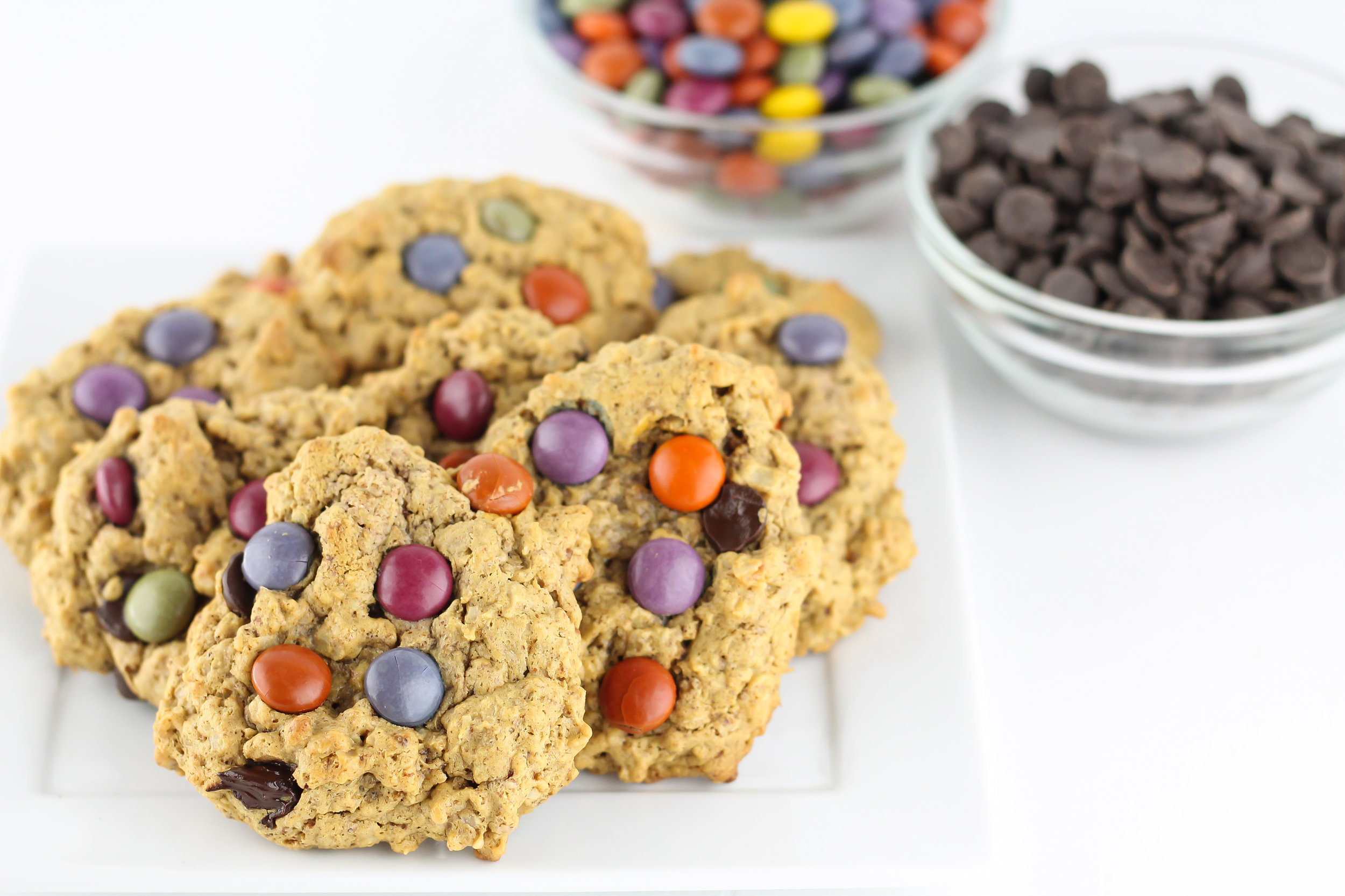 monster cookies, healthy monster cookies, no gluten, gluten free, no processed sugars, holiday cookies, christmas cookies, healthy cookies, low sugar, define fettle,