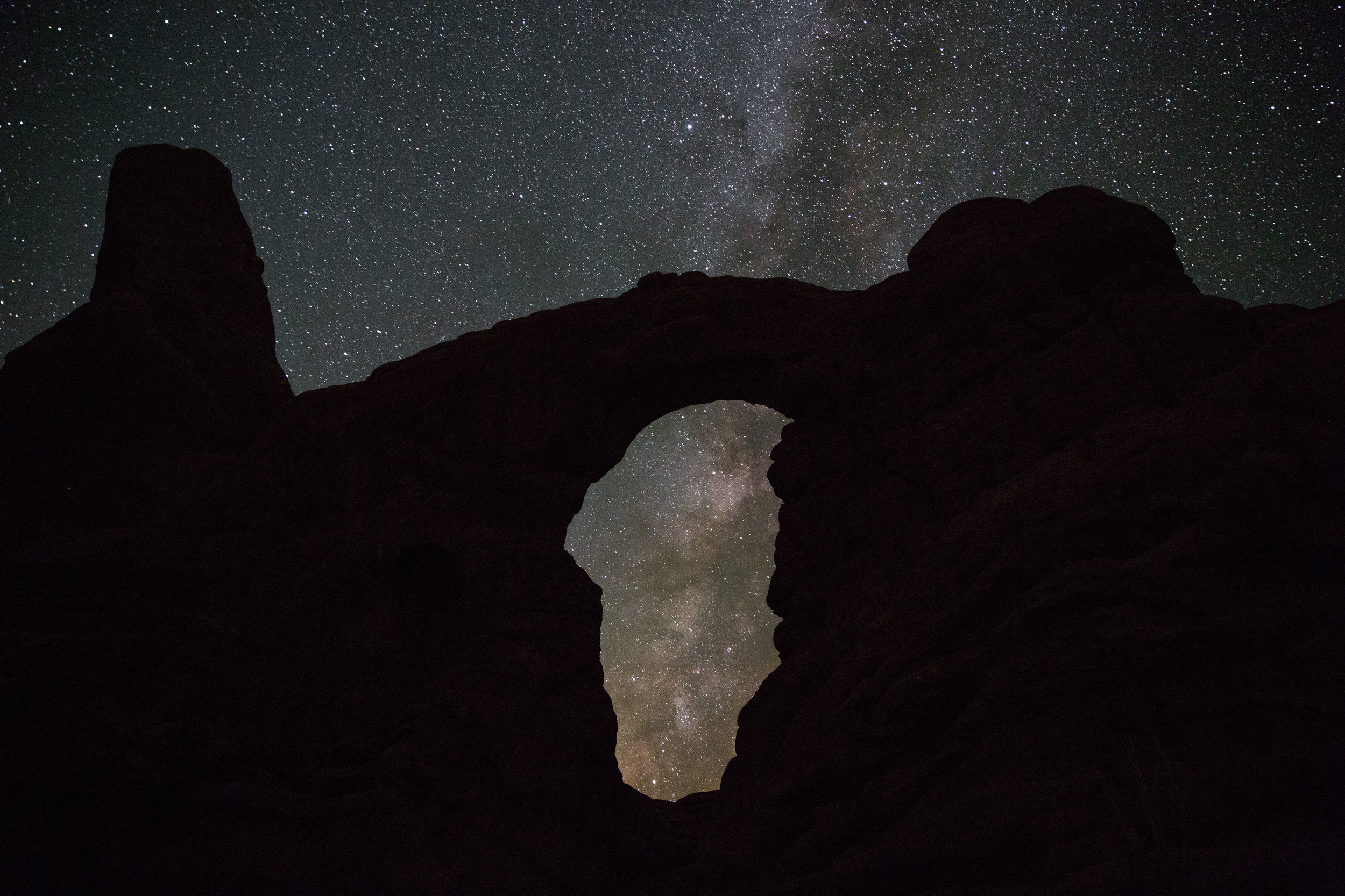 Turret Arch At Night, Turret Arch, Arches National Park, Night Photography, Arches, Astrophotography, Define Fettle Travels, Milky Way