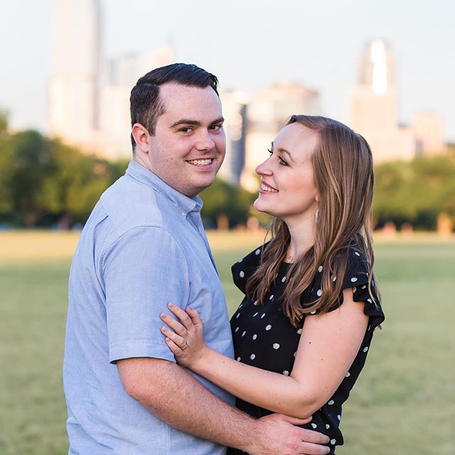 Shot the sweetest engagement last weekend for Lindsey and Kyle ❤️ We patiently waited our turn for a parking spot to take photos at Red Bud Island and then stopped over at Zilker to catch the sunset 🌅 And of course ended it all with dinner at Shake Shack! Love these two 🥰