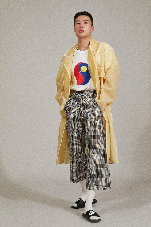 Coat  Social Work . T-shirt Sundae School. Pants stylist's own. Slides Nike.