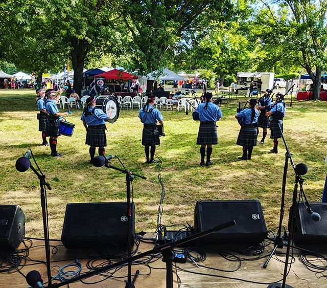 Early morning at the Douglas County Highland Games with the Eugune Pipe Band.