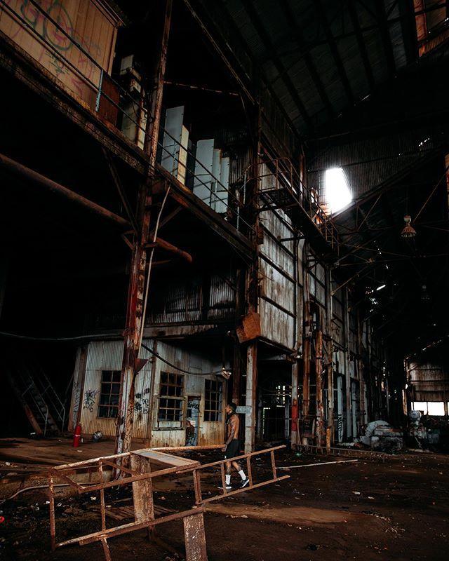 Abandon Sugar Mill, Kauai 🎋  I love going to abandon places whenever I travel 😛