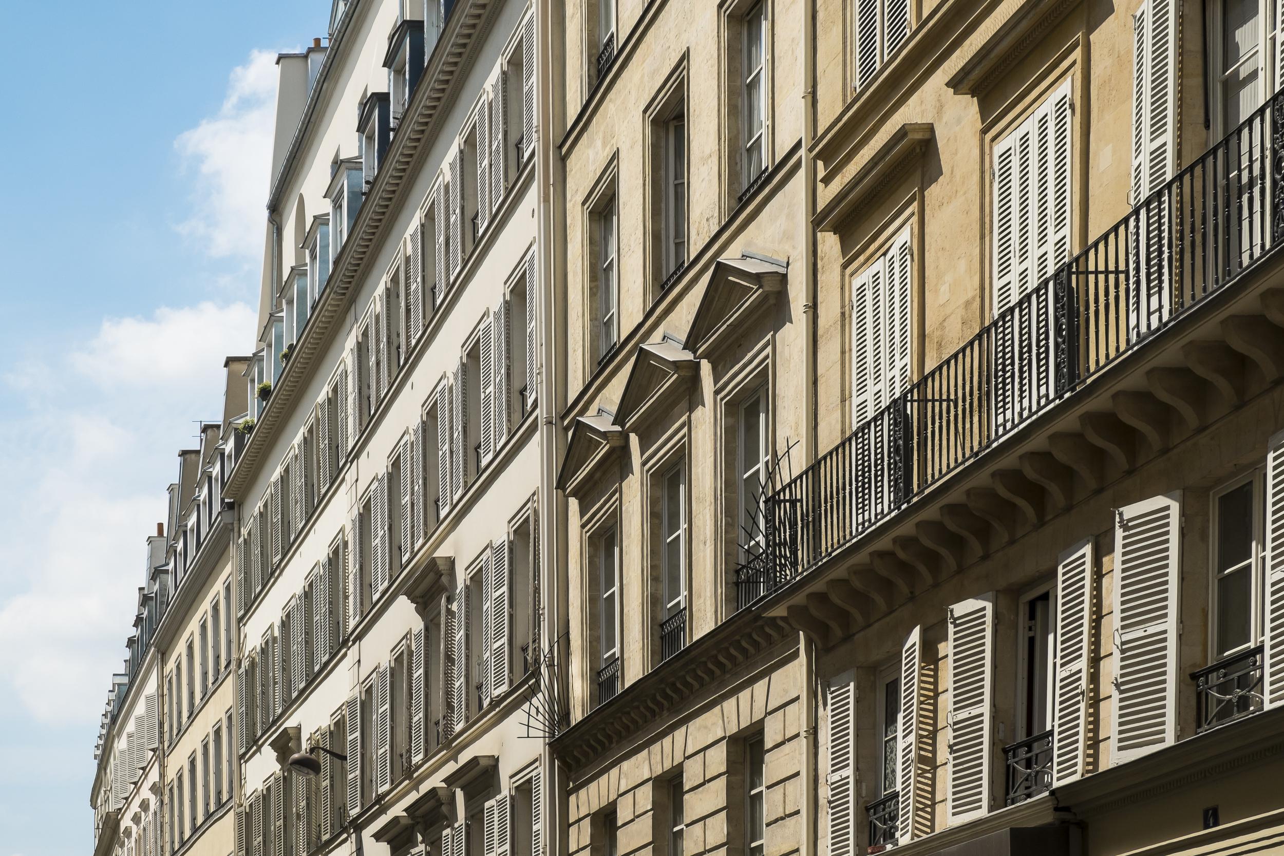 Paris-WallOfWindows-20130706-DSCF3435.jpg