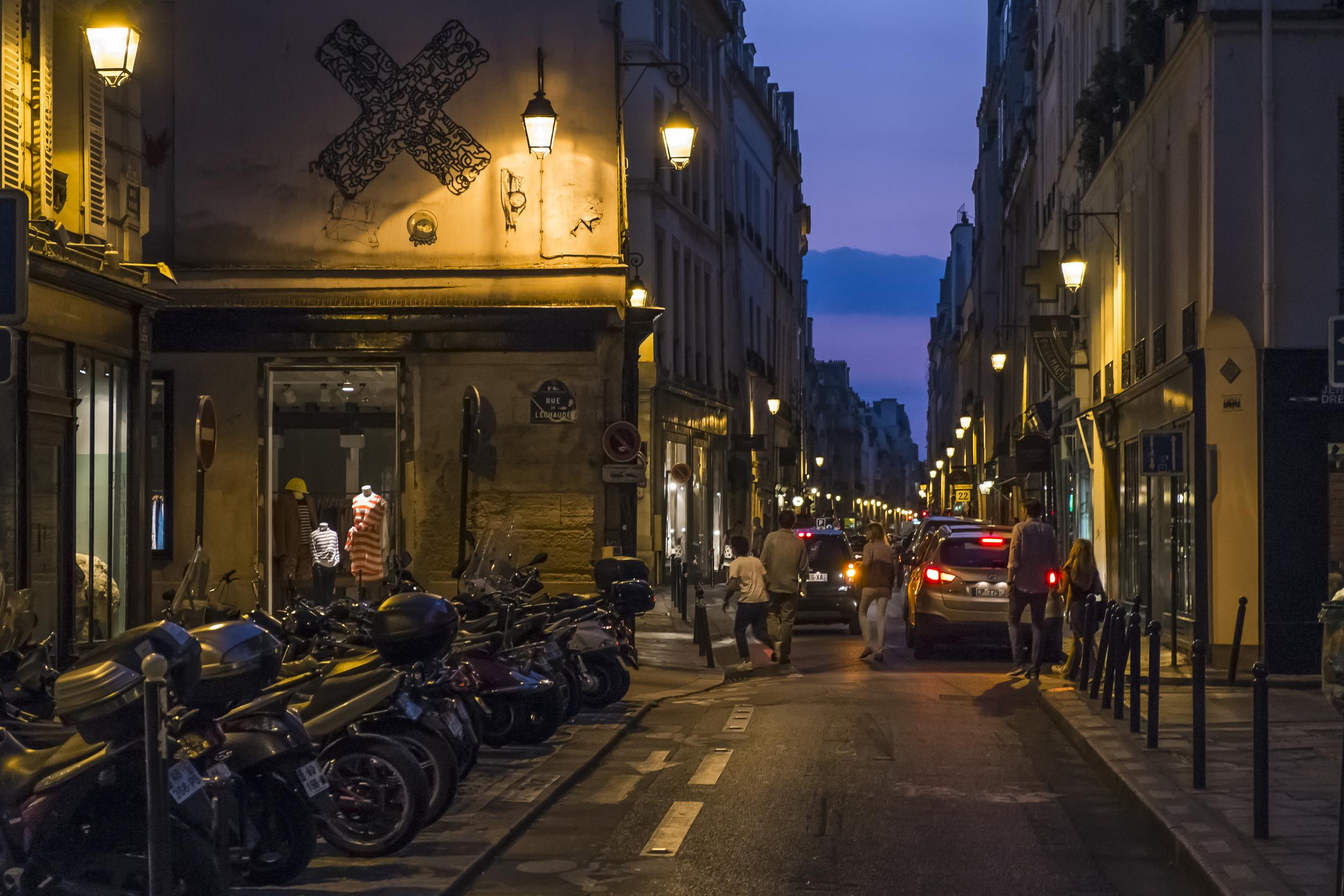 Paris-RueDeLechaude-20130706-DSCF3492.jpg