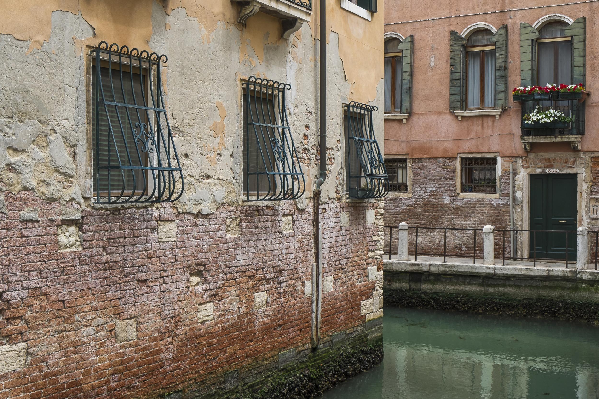 Venice-CanalCorner-20140523-DSCF5874.jpg