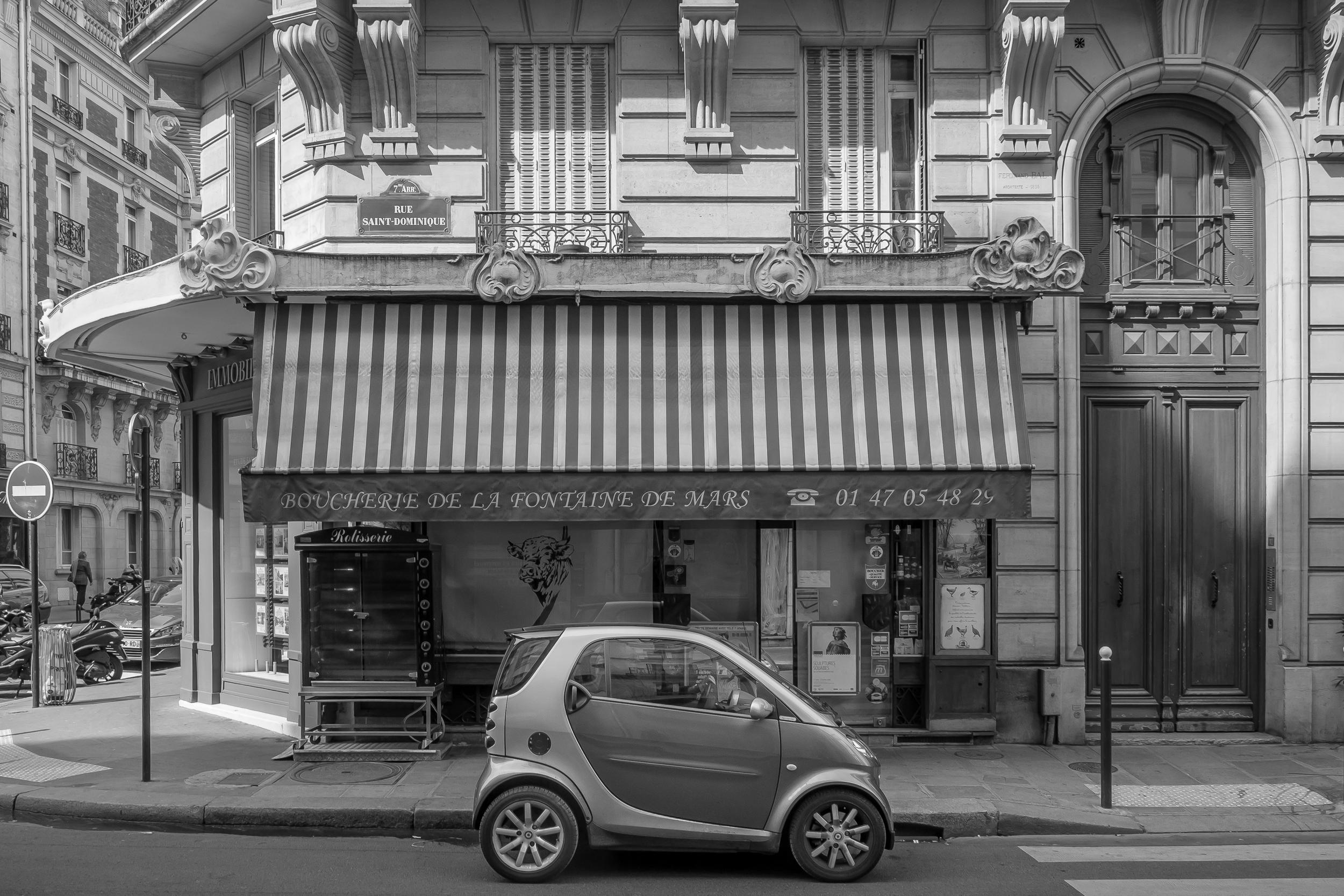 Boucherie and Smart Car, Rue Saint-Dominique