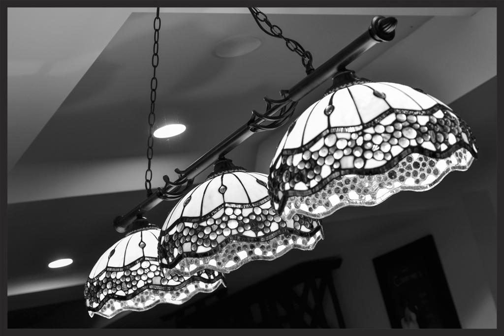 DISPLAYS / LIGHTING