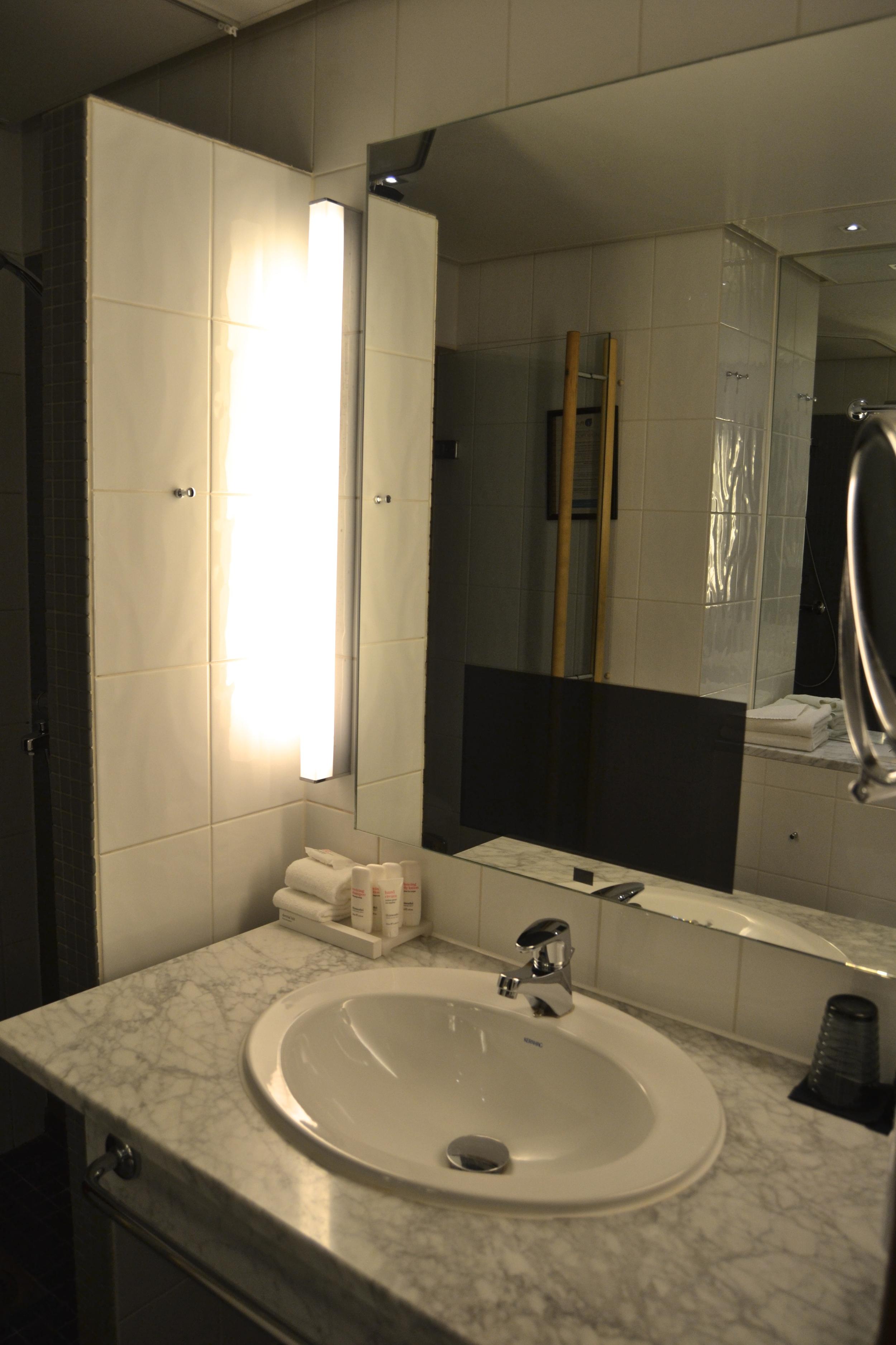 Hauska yksityiskohta, TV kylpyhuoneessa