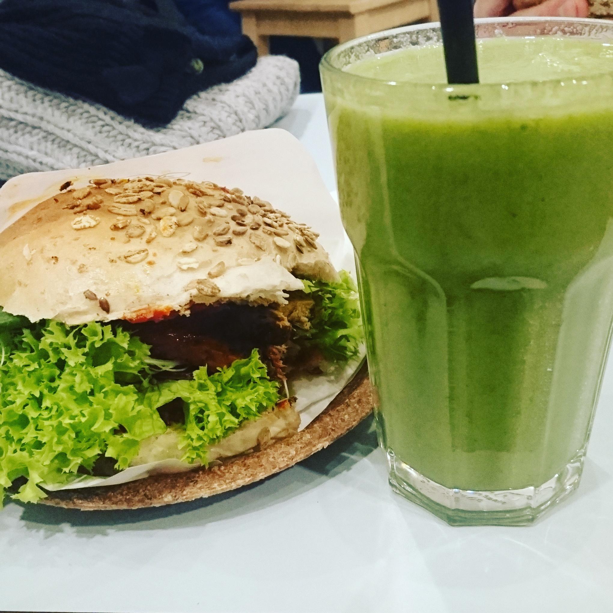 Vegaaniburgeri ei päässyt jatkoon maaliskuun Varsovan reissulla, mutta olipa kokemus