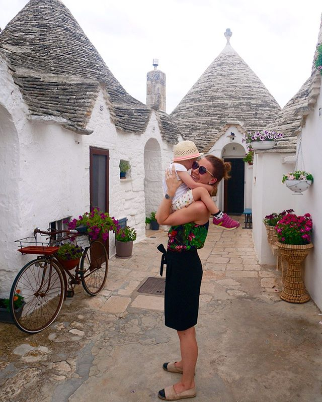 There is always time for hugs & kisses in our family. ❤️ #italytrip #puglia #likemotherlikedaughter