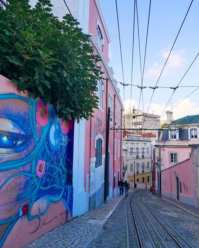 Lovely city break in Lisbon with my dearest ones. 💗 #lisboa #syysloma