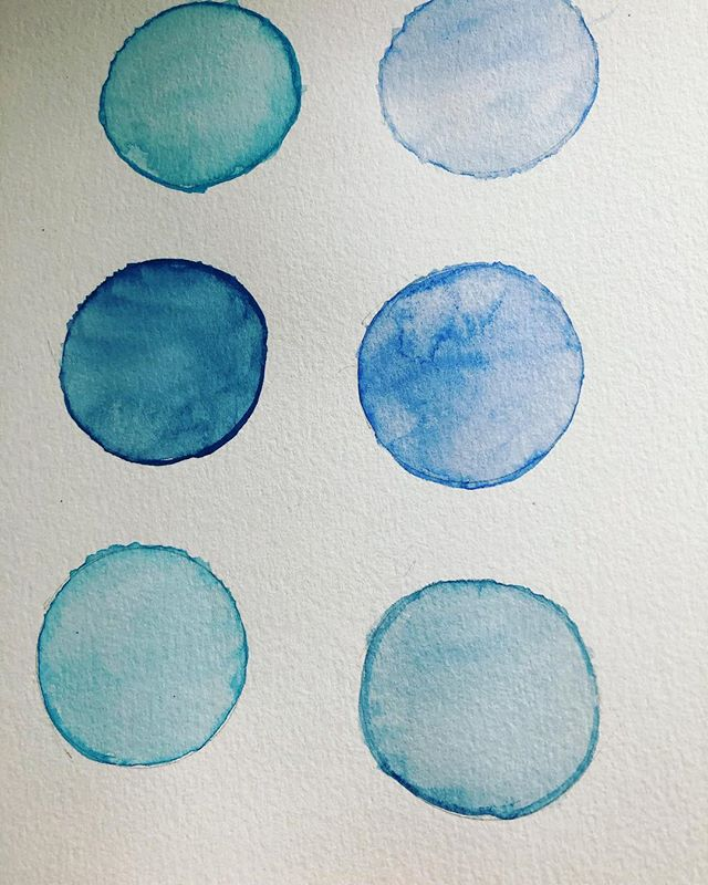 Day 2 of the #everydaywatercolor 30 day challenge. Really loved playing with wet on wet and the bleeding effect. Also learned about mixing two shades to get many hues. Blending is still a challenge but I'm sure as time goes on it will get easier to do as I start to understand and apply what I'm learning. I'm definitely loving the process and @jennarainey wrote a fantastic book that's easy to follow along. Looking forward for day 3 #watercolor #30daywatercolorchallenge #everydaywatercolor #learningthebasics #happyplace