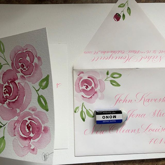 I love Calligraphy with Watercolor roses. My heart is singing. For me there is no better gift than a handmade card in any form. It shows you care, it relaxes you and you are giving a piece of yourself to someone you care about. #watercolorandcalligraphy #watercolorandcalligraphyartist #watercolor #flourishforum #calligraphy #pointedpencalligraphy #everydaywatercolor #dosomethingcreativeeveryday #beginningwatercolor #watercolorpainting #watercolorroses #thankyoucards #happyplace