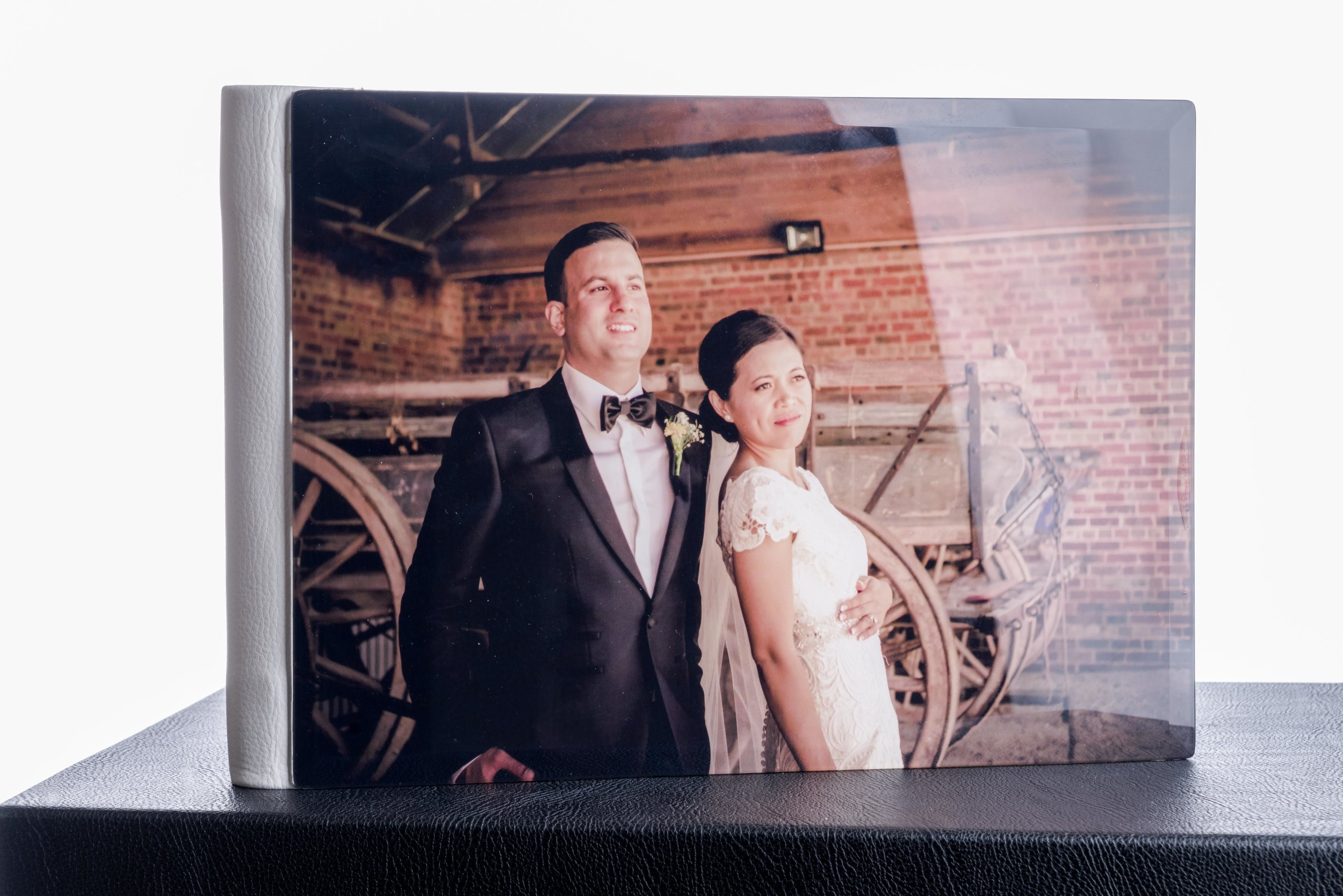 Crystal Photo Album    11x8 20 pages $400   11x8 30 pages $500   11x8 40 pages $600    14x11 20 pages $500   14x11 30 pages $600     14x11 40 pages $700