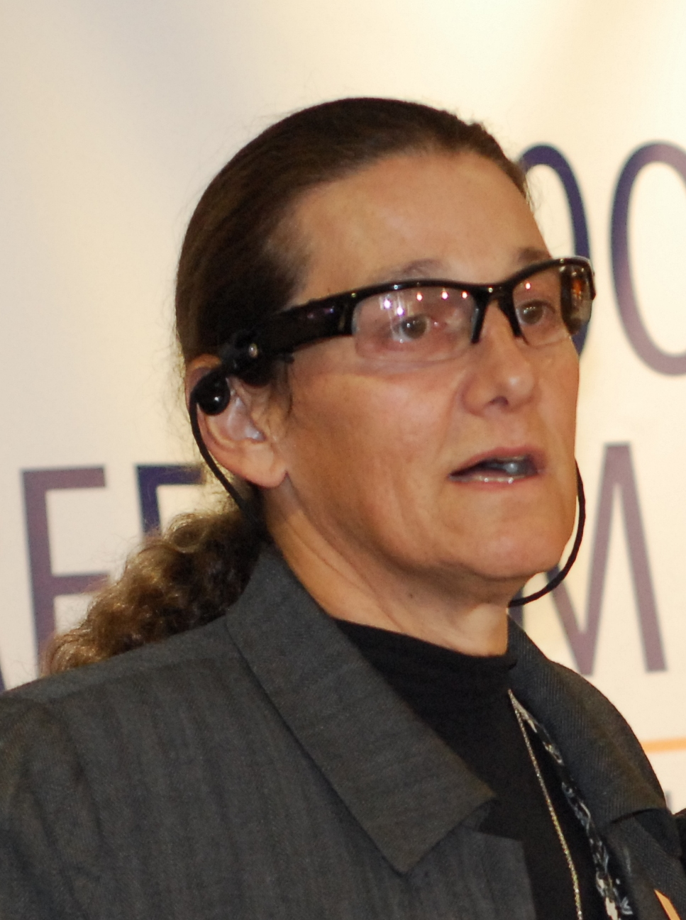 Will Entwicklung ohne Grenzen: Martine Rothblatt (Foto: Woofhull Sexual Freedom Alliancederivative work/CC CY-SA 3.= via Wikimedia Commons)