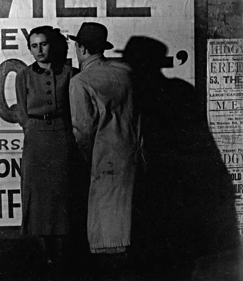 Bill BrandtStreet Scene, London, 1936[NY-BB-936]
