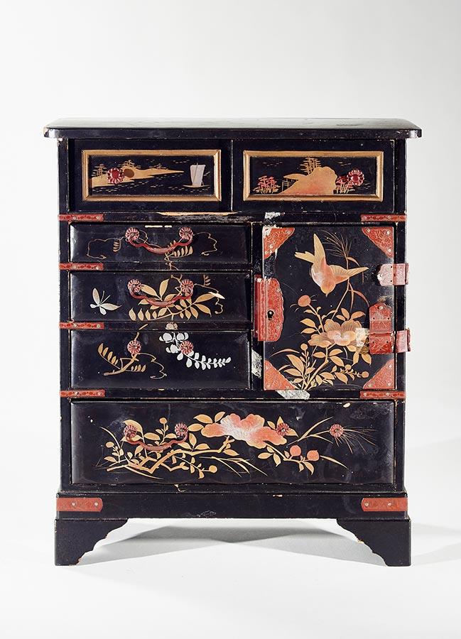 Petite armoire d'Indonésie / Schränkchen aus Indonesien, 24,5x30,5x12cm