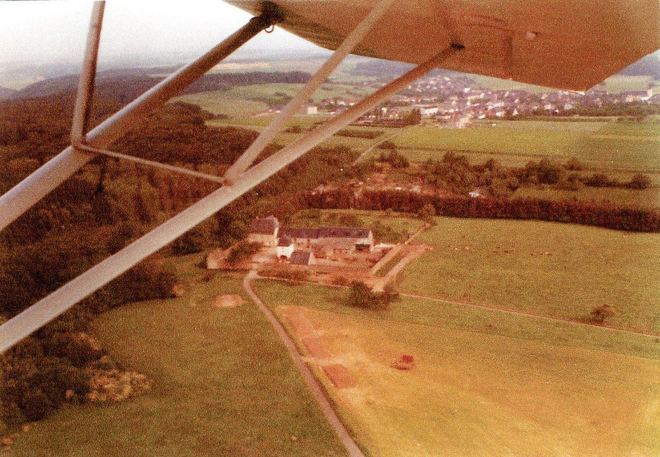 Vue aérienne / Luftaufnahme vom Birelerhof, Sandweiler, 1978 © Norbert Quintus, Peppange