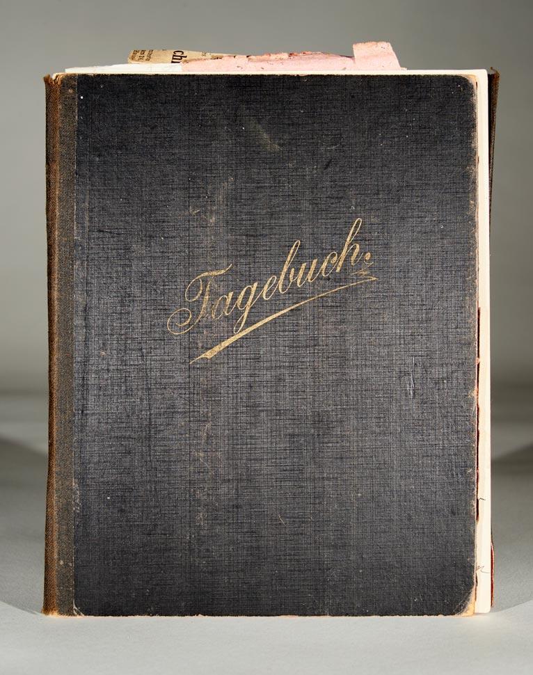 Journal intime. Chronique des familles / Tagebuch. Chronik der Familien Schmitz, du Moulin et / und de Hall-von Montebroich  © Divers auteurs, droits réservés