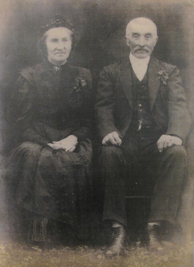 Couple / Ehepaar Maria Anna et/und Tillmann Schmitz-du Moulin, ca. 1908, Birelerhof, Sandweiler © photographe inconnu, droits réservés