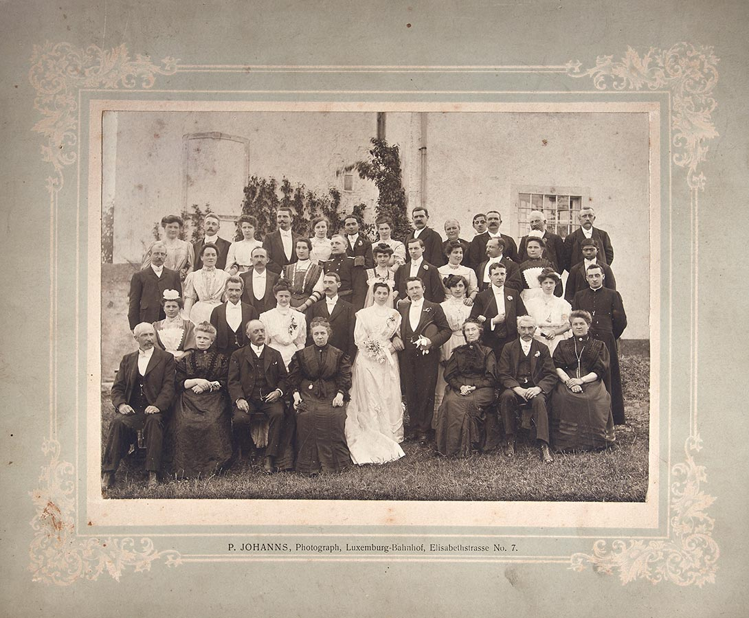 Mariage de / Hochzeit von Gertrud Schmitz et / und Paul Warisse, © P. Johanns, Luxemburg, 1908