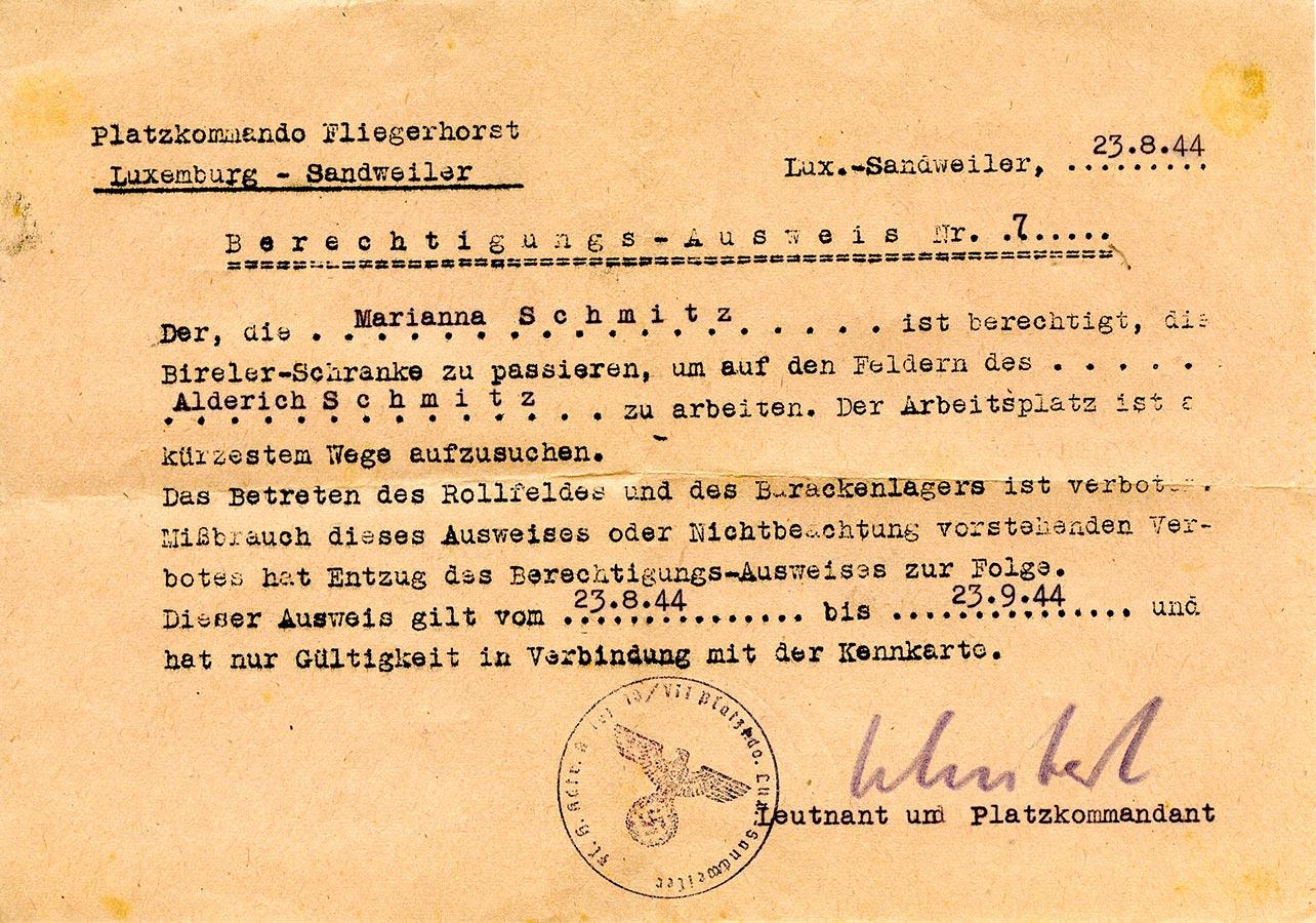 Autorisation de passage de / Berechtigungs-Ausweis von Marianna Schmitz du / vom 23.8.- 23.9.1944