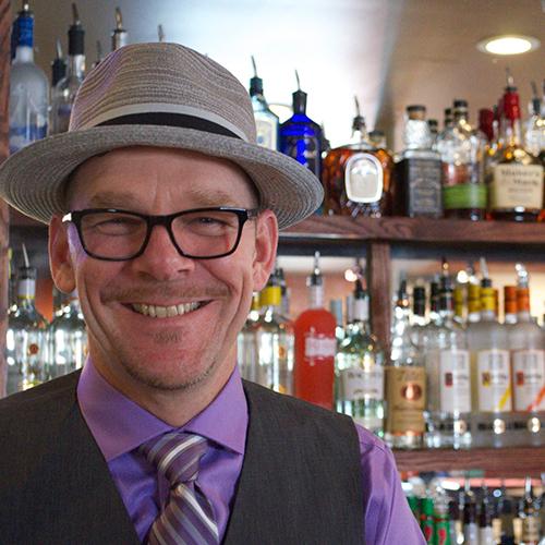 Dot-Ten-Creative-Photographer-Milwaukee-Wisconsin-Business-Local-Bar-Pub