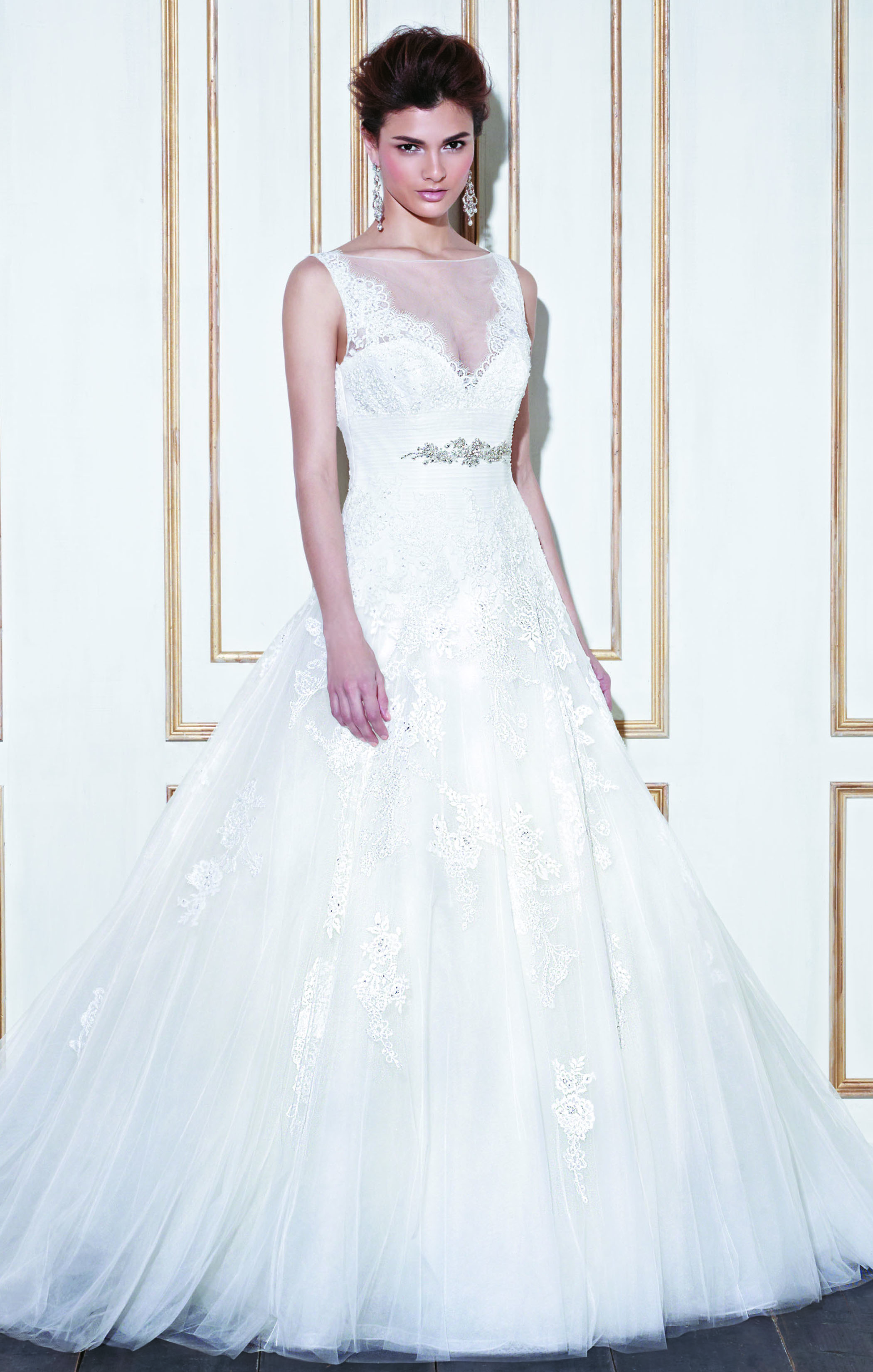 Gao by Blue Enzoani size 12. Was £1332 Now £500