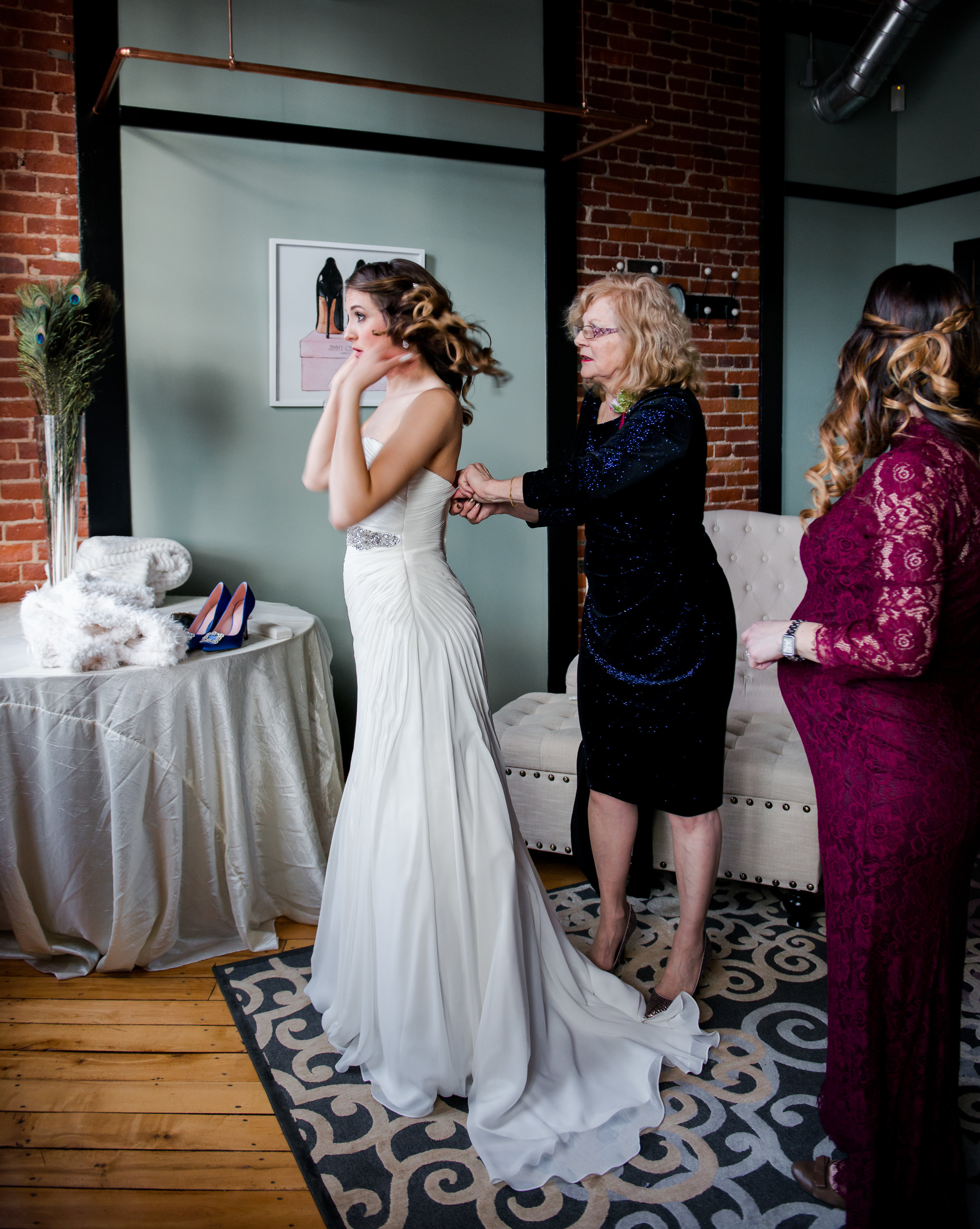 LUV LENS_WEDDING_EMILY AND ANDREW-133.jpg