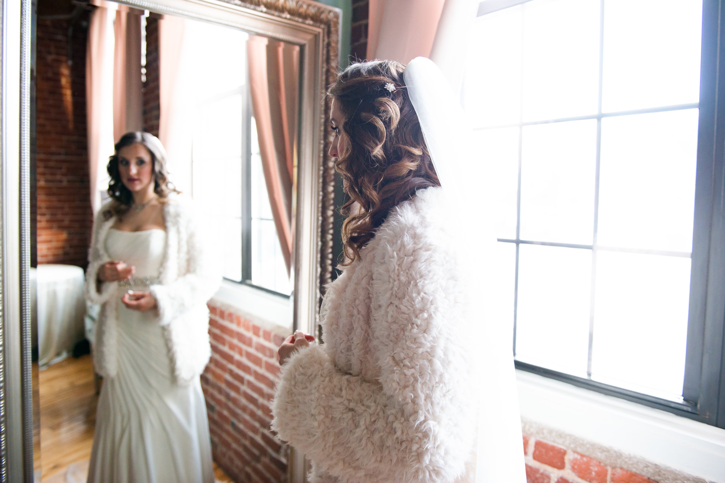 LUV LENS_WEDDING_EMILY AND ANDREW-168.jpg