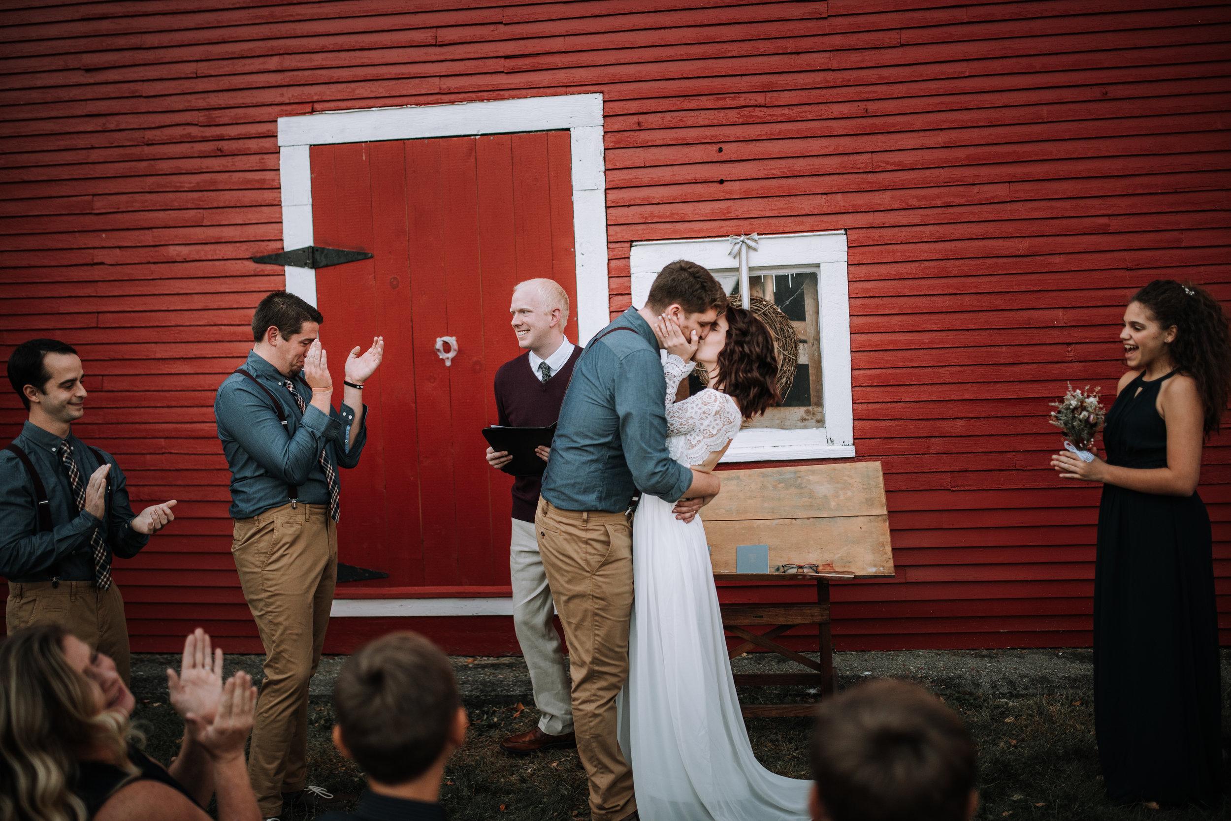 LUV LENS_WEDDING_GABBIE GARY SMALL-37.jpg