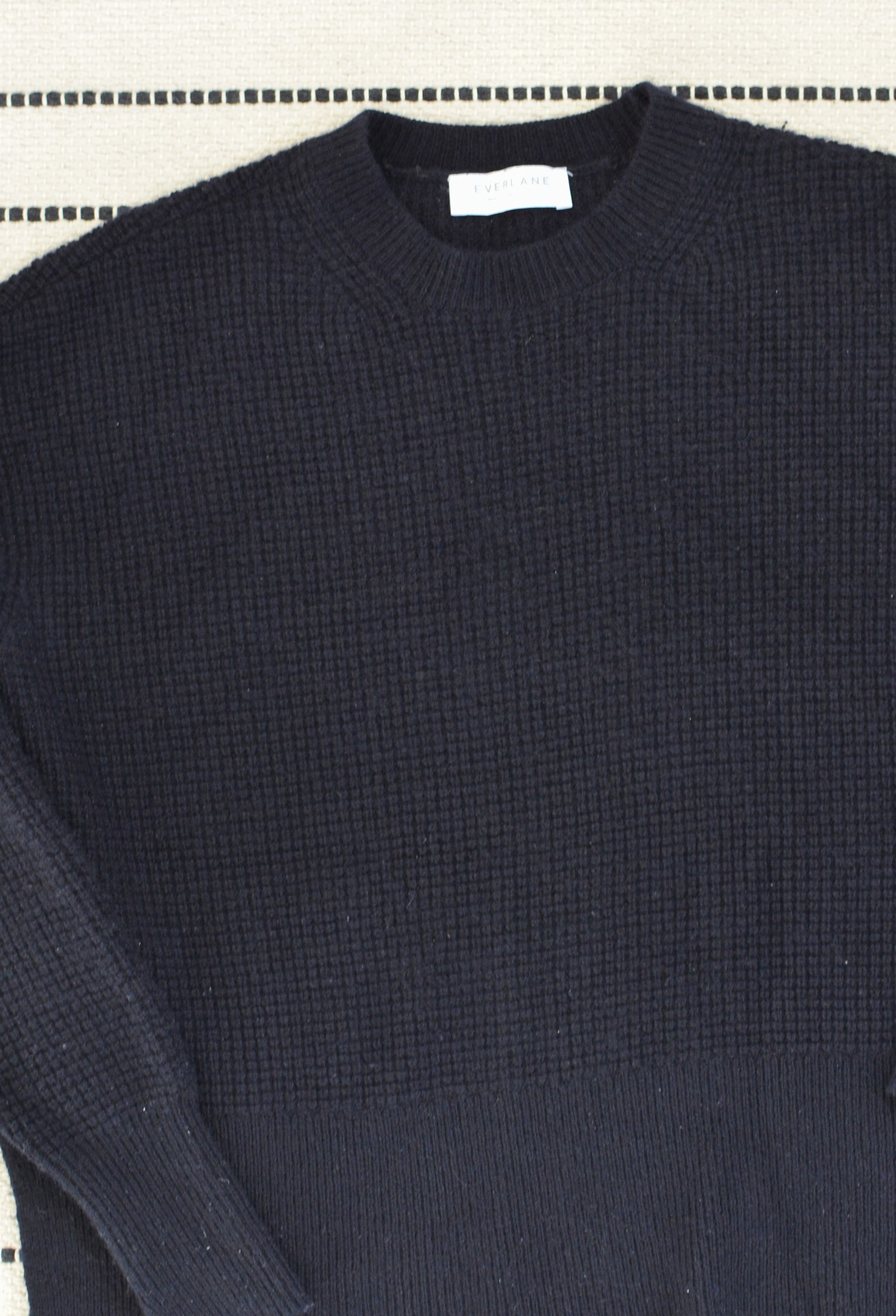 (ok so maybe it's hard to tell in the pics, but the pilling is gone, but the sweater did pick up some lint)